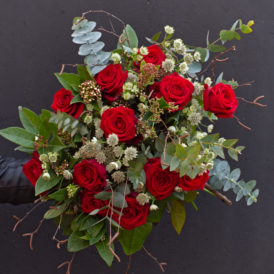 Sweet Love - Valentines roses hand tied