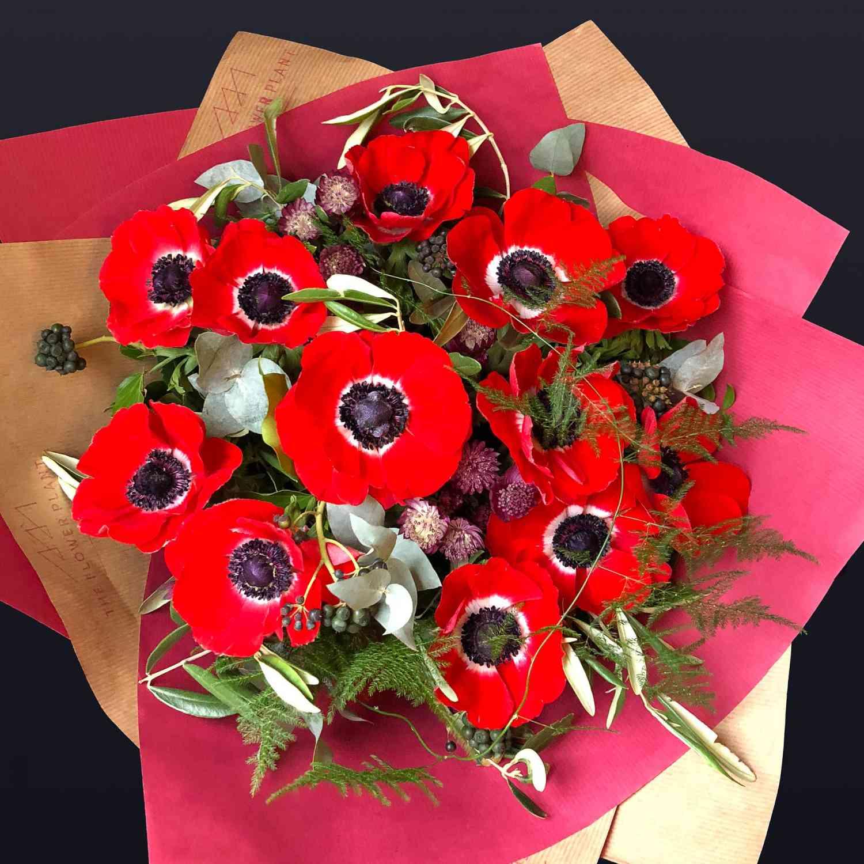 12 Red Anemones Valentines Hand Tie