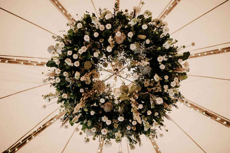 Floral wild white chandelier
